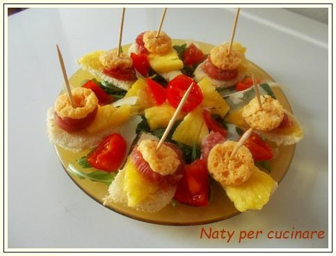 Tartine ananas salame e Grok
