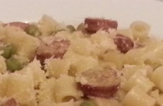 Pasta Piselli Wurstel Evidenza